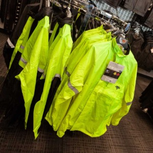 Fluo night and rain gear
